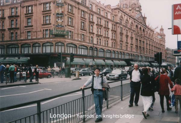 London, Harrods on Knightsbridge
